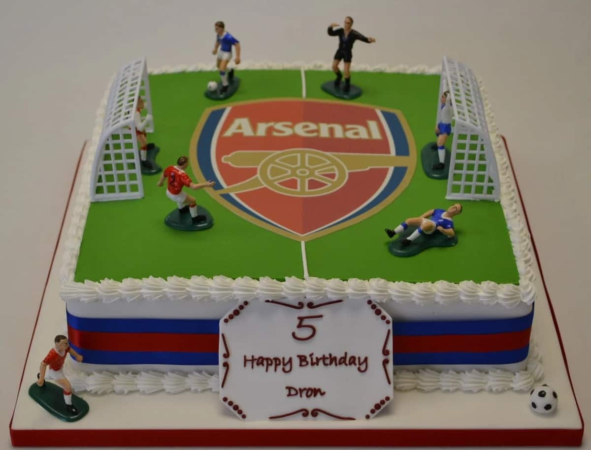How to bake cake with football pitch design in Nigeria