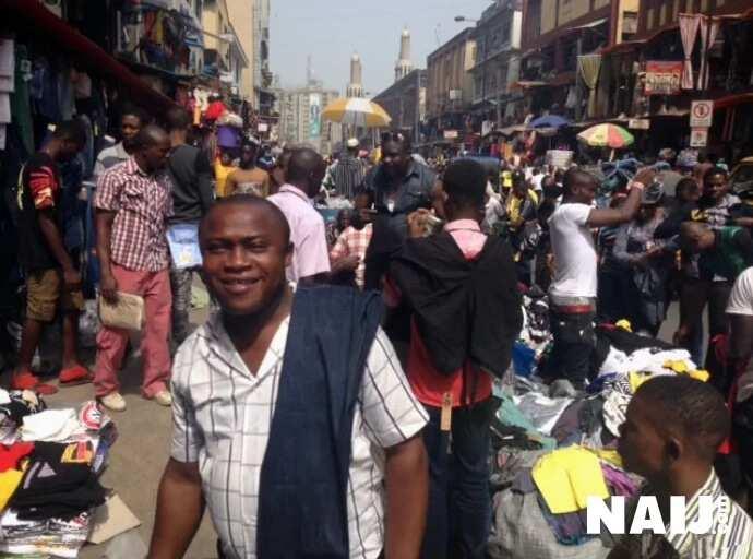 Lagosians Do Their Shopping Ahead Of Christmas