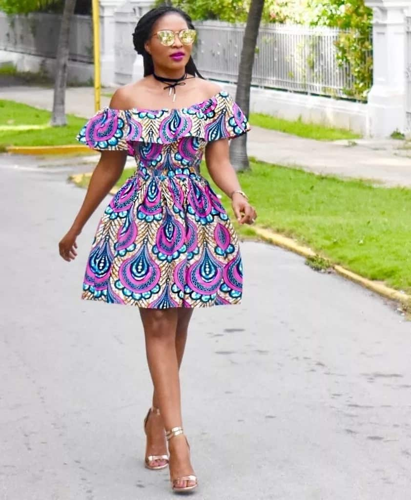 Multi-colored short gown