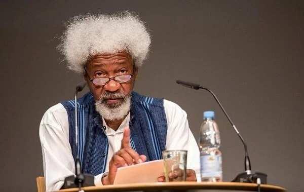 Fadan da babu ruwan ka: Farfesa Wole Soyinka ya kuma yin kaca-kaca da Obasanjo