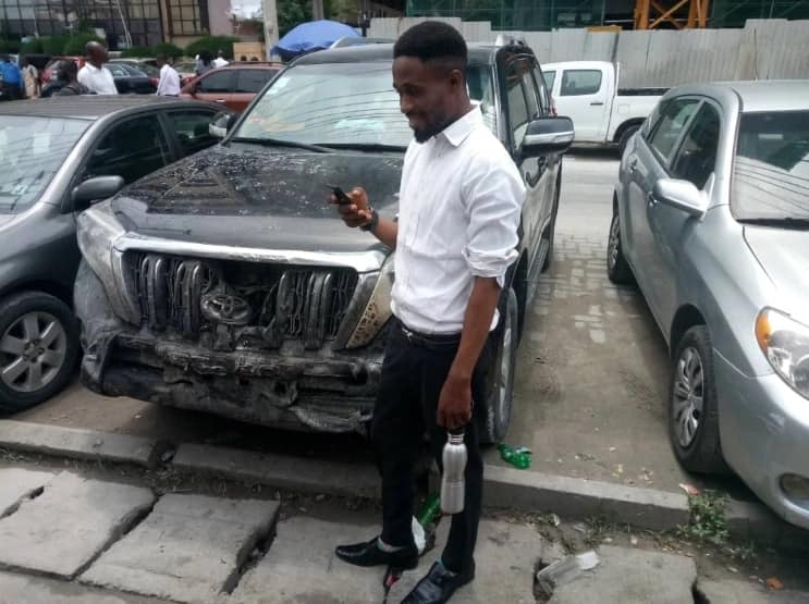 Young man drives out a burning SUV from Lagos fire outbreak (photos)