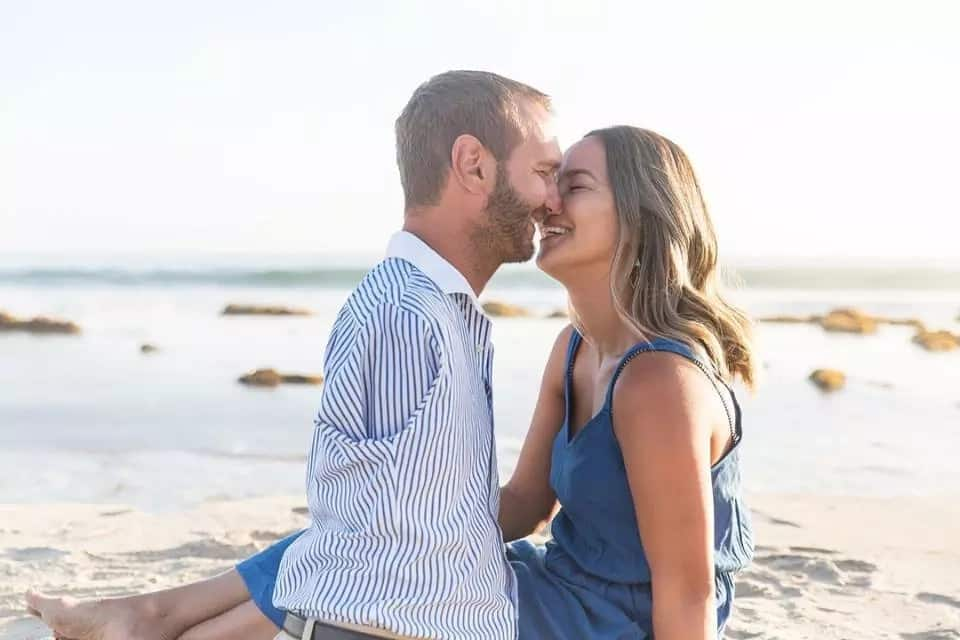 Nick_Vujicic_and_his_wife
