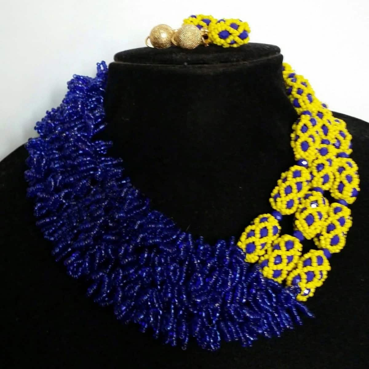 Asymmetric beads