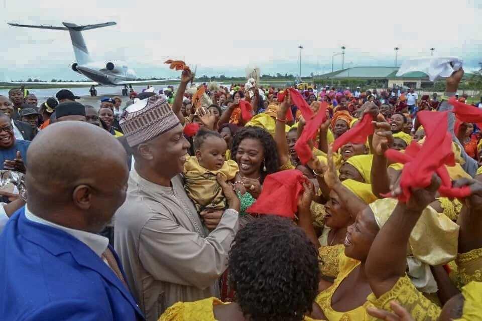 We are behind you - Saraki assures Governor Udom as he storms Akwa Ibom (photos)