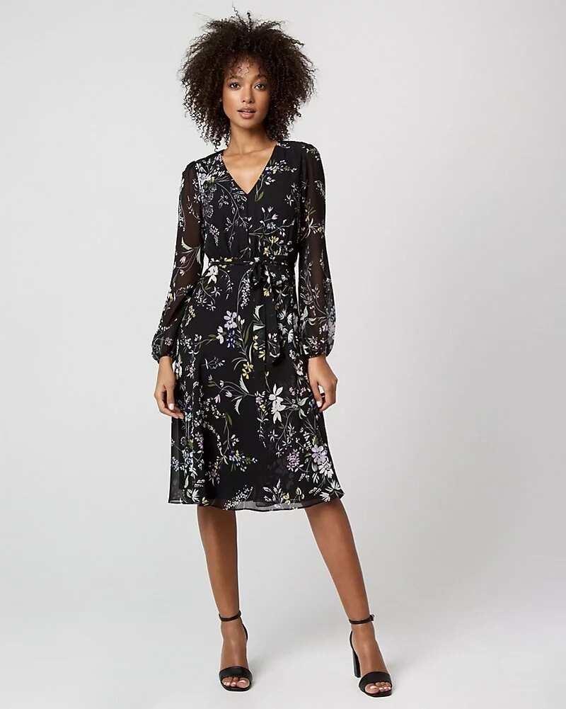 Chiffon midi gown with a belt