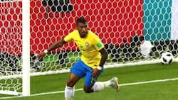 Paulinho scores as Brazil beat Serbia to qualify for the round of 16 at Russia 2018 World Cup