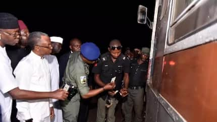 Curfew: Governor El-Rufai pays late night visit to security operatives in Kaduna