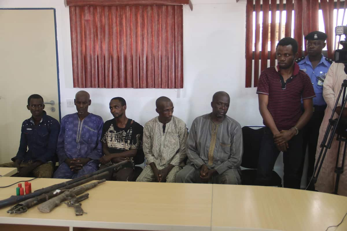 Police parades notorious kidnap gang for abducting 9-year old girl