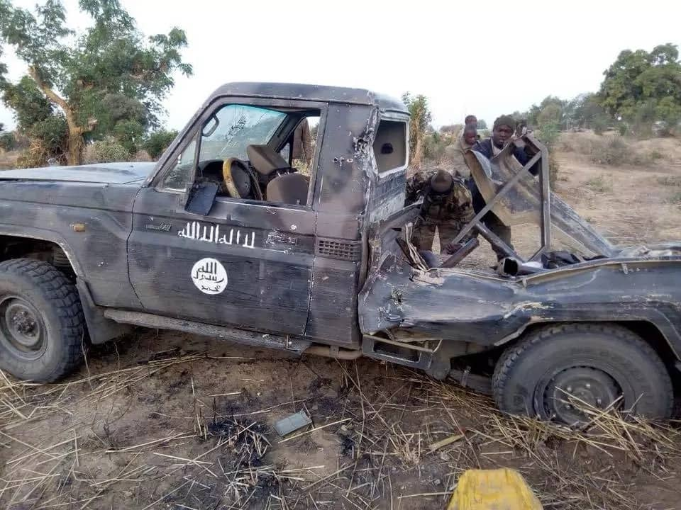 Nigerian troops kill insurgents in Yobe, recover weapons