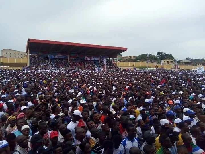 Da duminsa: Buhari ya isa jihar Ekiti domin yiwa dan takara APC kamfen