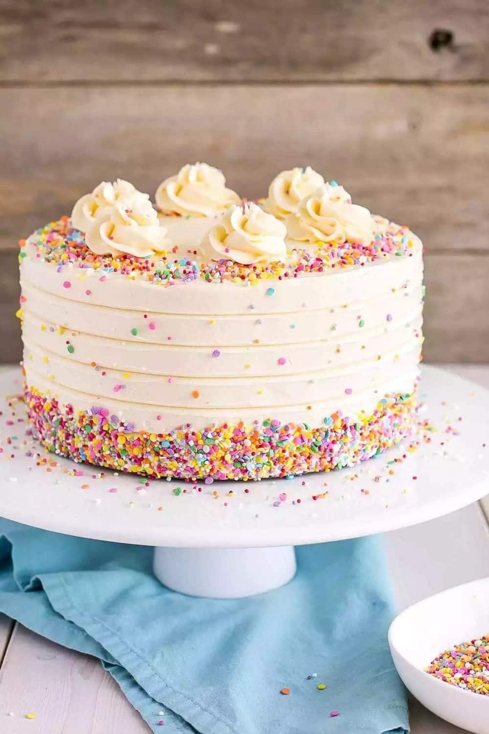 Latest butter icing designs for cakes in Nigeria Legit.ng
