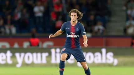 PSG star agrees to join Barcelona next season and it is not Neymar