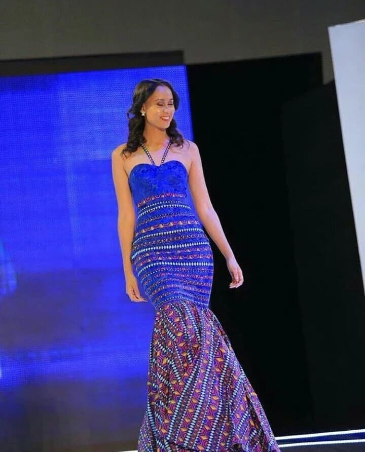 Ankara gown with décolleté (photo from Miss Africa 2017)
