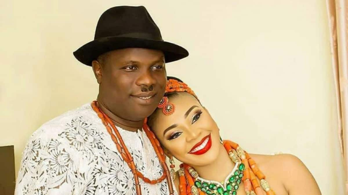 Wealthy Nigerian man Kenneth Bramor reportedly gifts first wife N300m car as compensation for marrying another wife