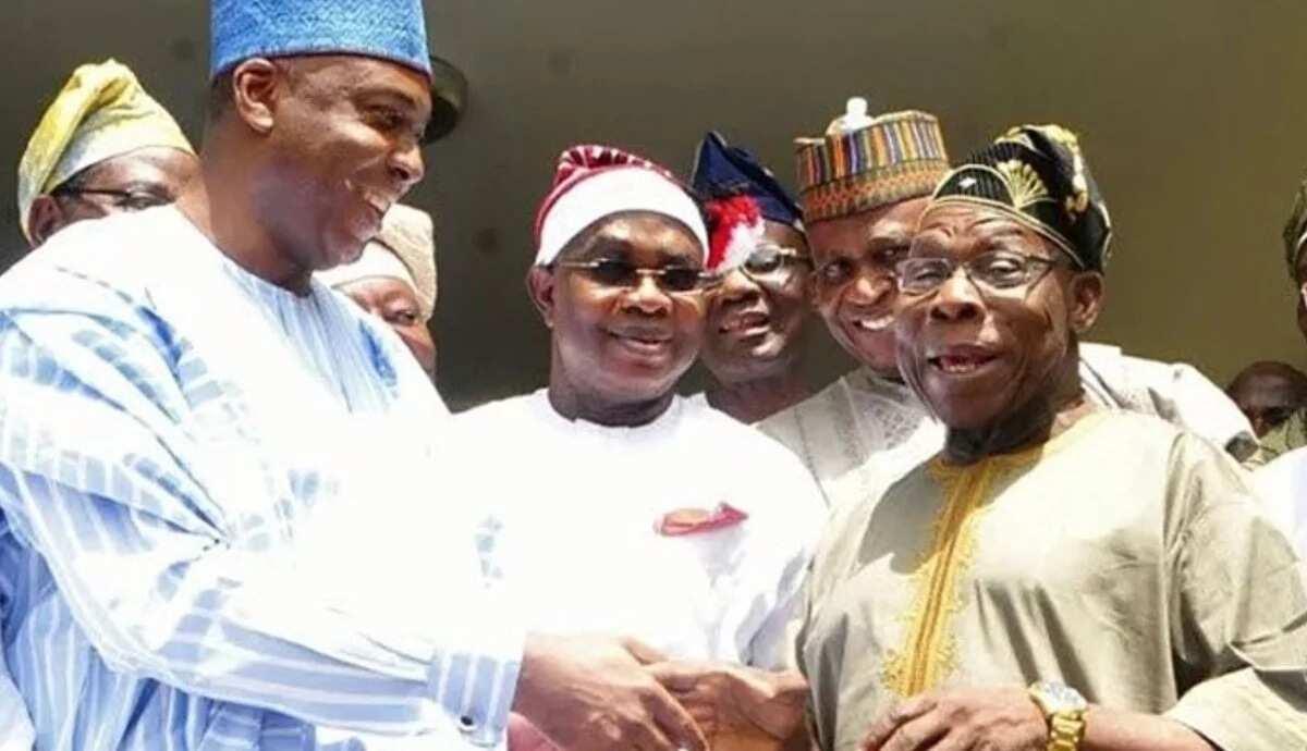 Dalilin da yasa na ziyarci Obasanjo – Bukola Saraki