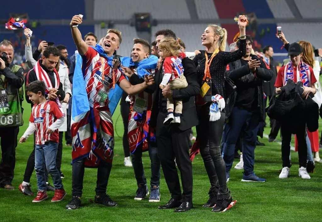 Atletico Madrid boss Diego Simeone celebrates Europa League triumph with his family