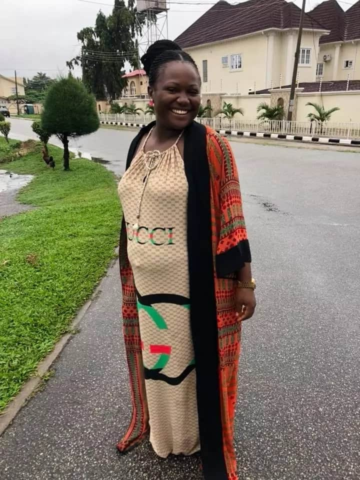 Nigerian lady dresses like a pregnant woman to go get her PVC