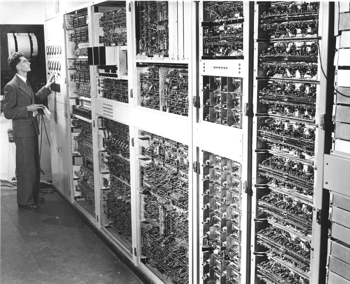 History Of Computer Generations Computergeneration Try To Educate First