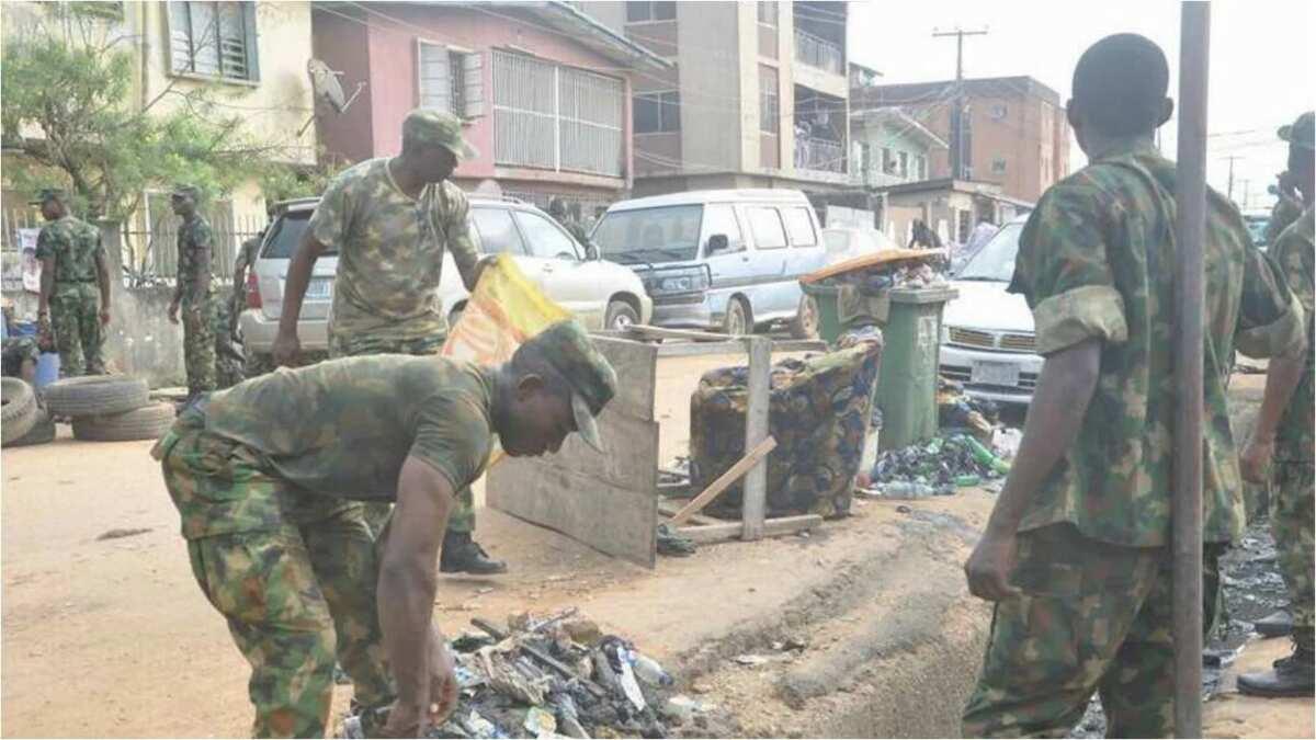 Lagos residents express joy as Air force engages in environmental sanitation