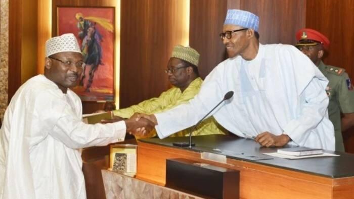 Ba mu ware Biliyoyin kudi domin cin abinci a zaben 2019 ba – INEC