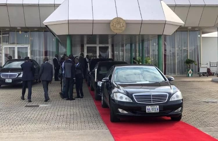Breaking: After much speculations, Buhari finally arrives Nigeria, lands in Abuja