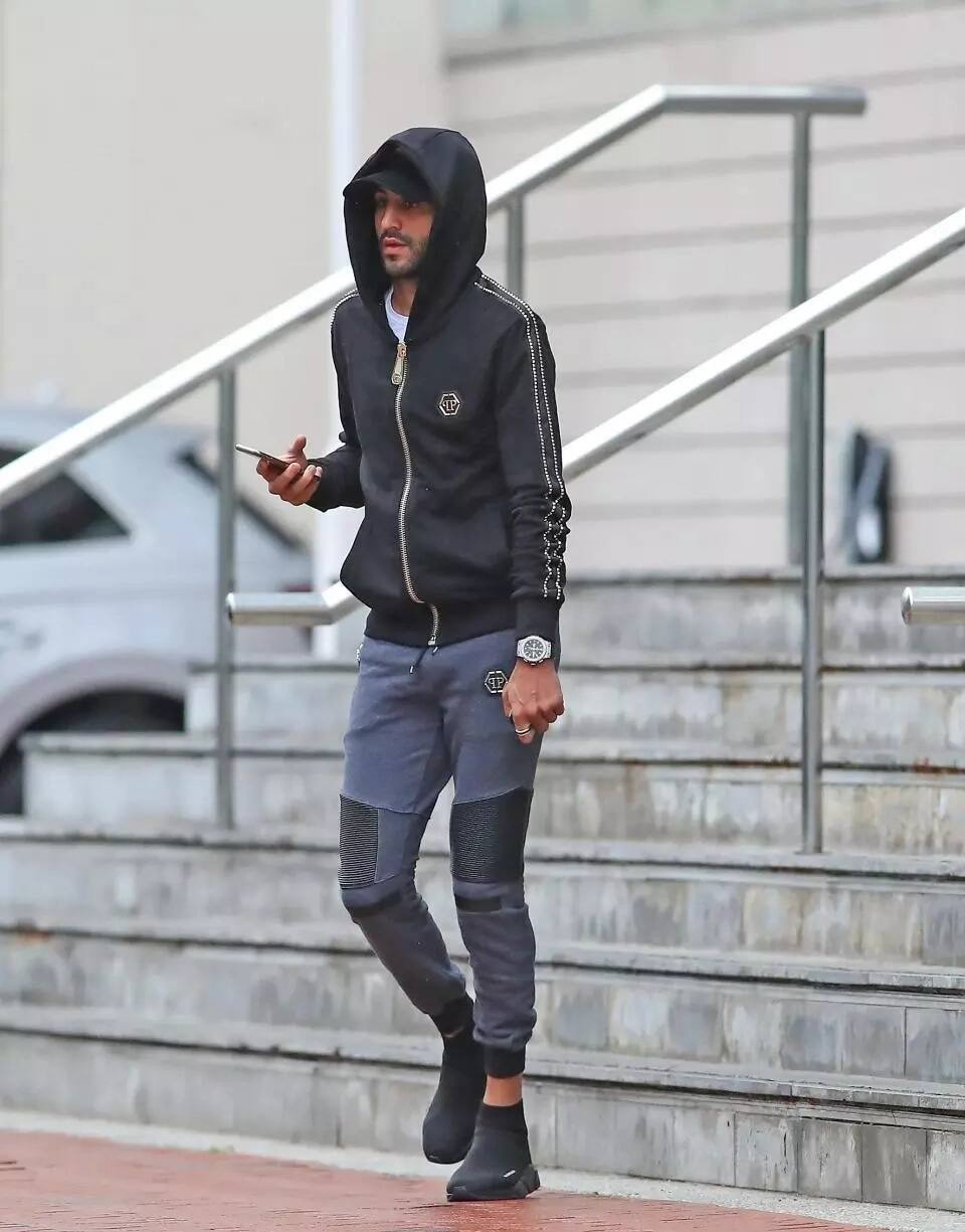 Manchester United' Fred and City's Mahrez wear dodgy foot wears for training