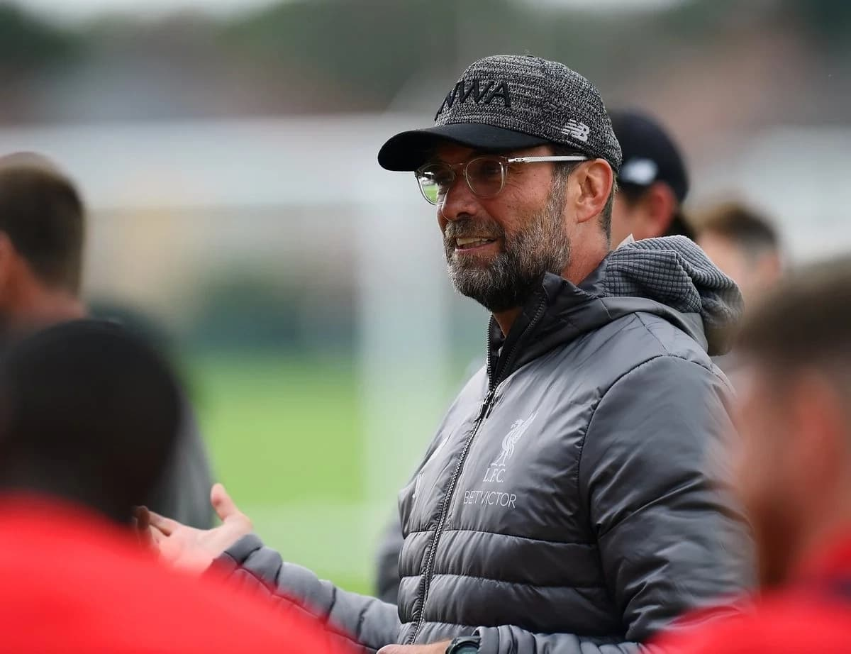 Sarri says City and Liverpool are leading the race for EPL title
