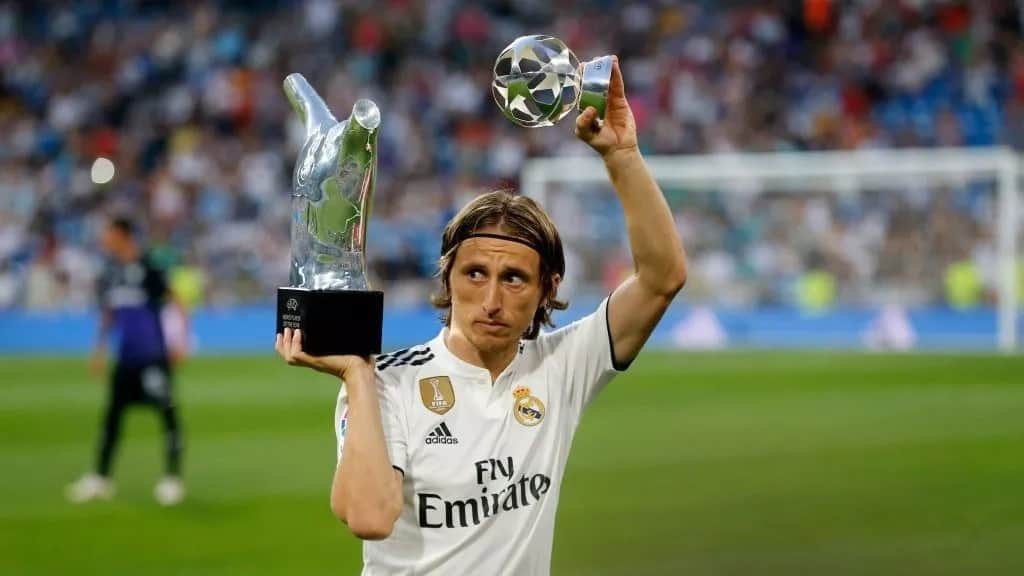 FIFA throw out Real Madrid complain over Inter Milan chase of Modric
