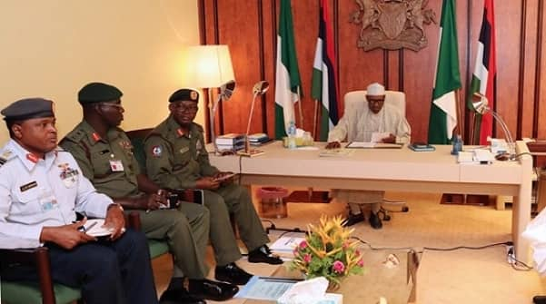 Insecurity: Federal lawmakers urge Buhari to sack service chiefs