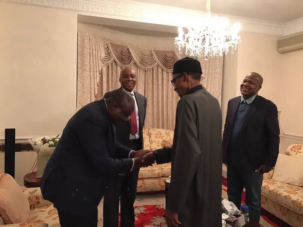 Buhari meeting with Saraki, Dogara, other lawmakers in Abuja House, London PHOTOS